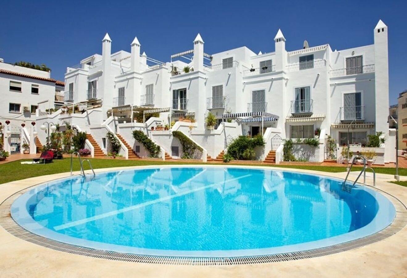 Apartamentos Huertos Canovas Nerja, Málaga