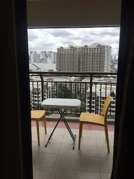 YOUR HOME AWAY FROM HOME ROYAL PALM Balcony