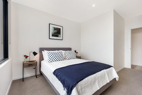 North Ryde Furnished Apartments A511 WHT, Ryde