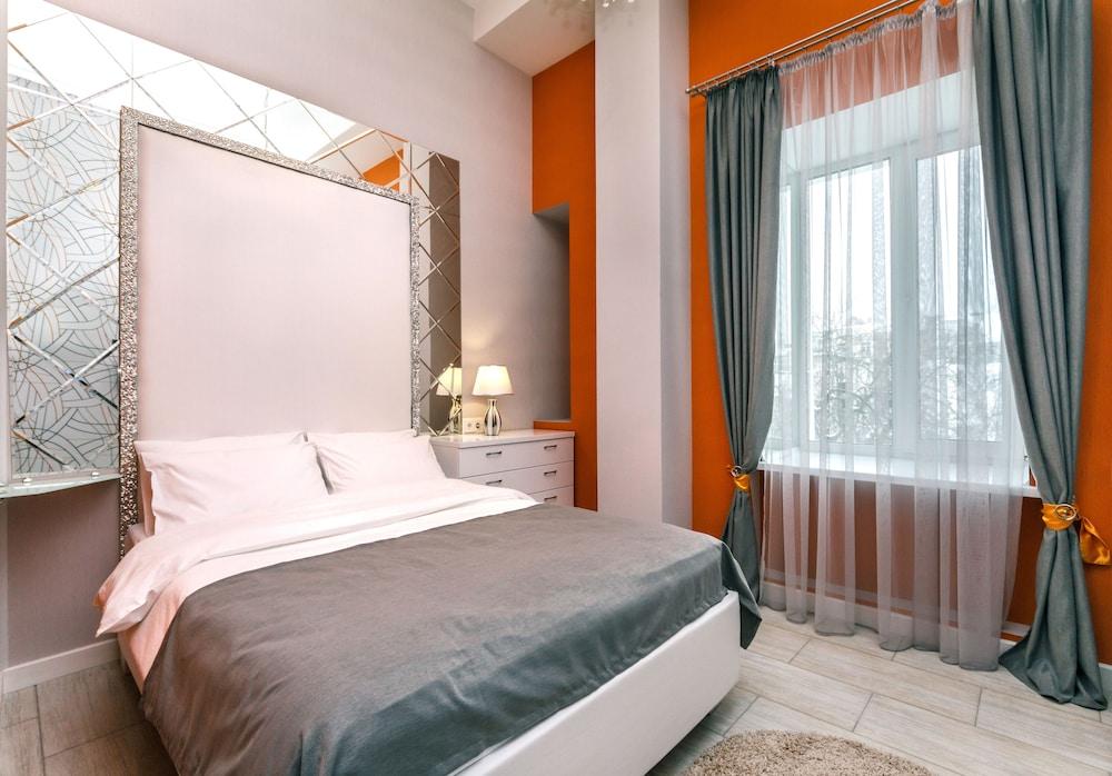 Отель Bogdan Hall DeLuxe