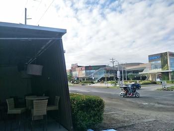 ANTON'S DORMITEL Front of Property