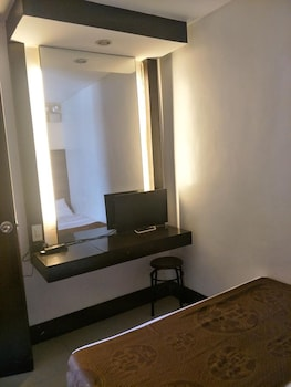 ANTON'S DORMITEL Room
