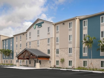 WoodSpring Suites Deerfield Beach