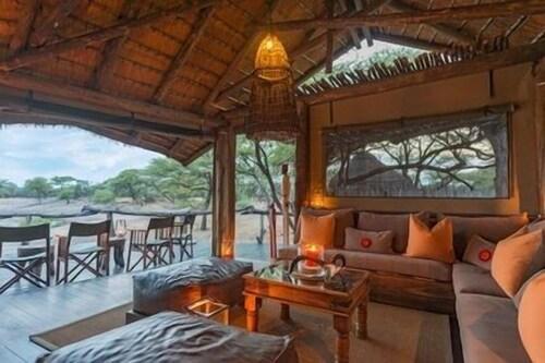 Onguma Tree Top Camp, Guinas
