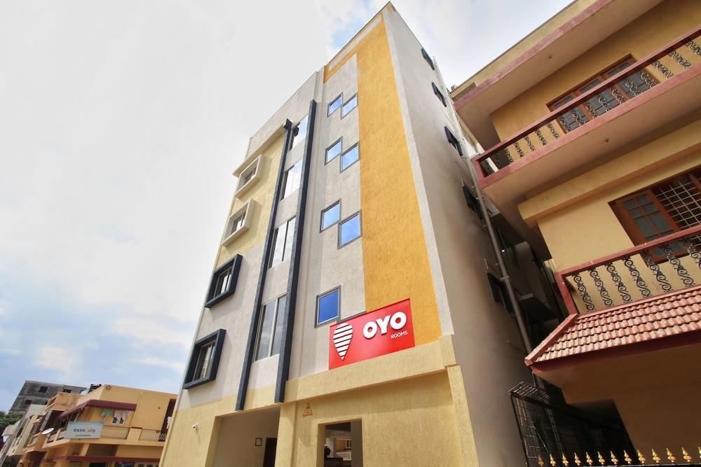 Hotel OYO 9419 Manu Residency
