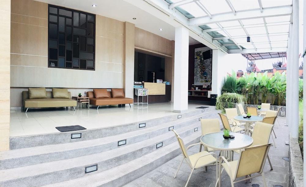 Amaia Hotel