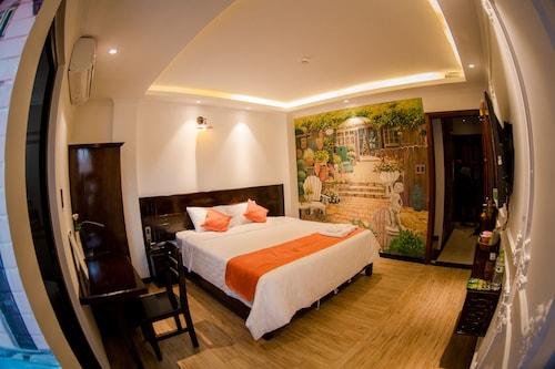 Laverne Hotel, Bình Thạnh
