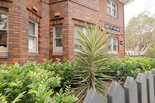 Furnished Suites Near Bondi Beach CBD, Waverley