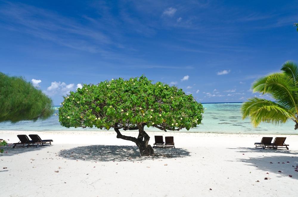 https://i.travelapi.com/hotels/22000000/21420000/21415900/21415849/69890343_z.jpg
