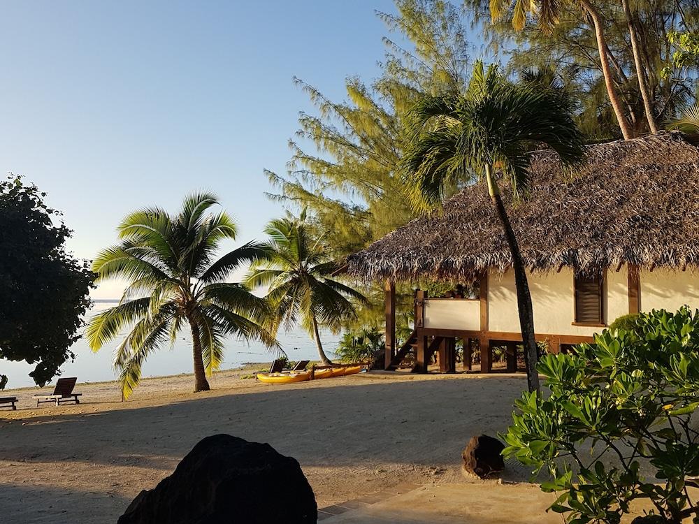 https://i.travelapi.com/hotels/22000000/21420000/21415900/21415849/71356c28_z.jpg