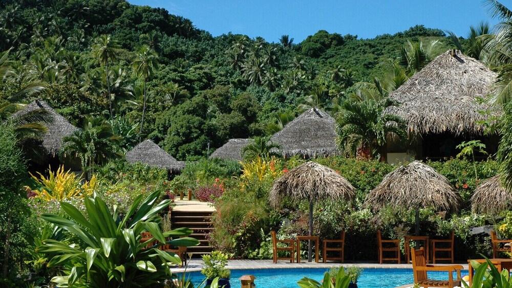 https://i.travelapi.com/hotels/22000000/21420000/21415900/21415849/af1160ee_z.jpg