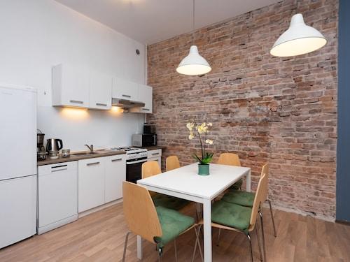 . Erasmus Student Apartments