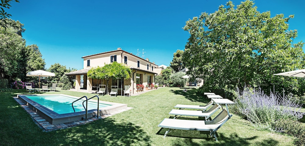Casa Ezelina Apartments