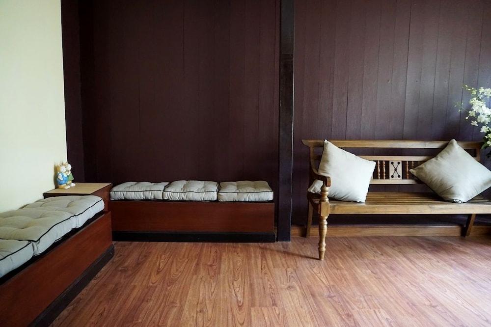 アット ホーム ホステル ウア ライ