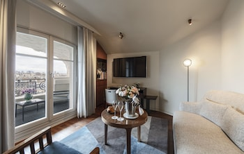 Suite, Terrace, View (Suite Amour with Eiffel View)