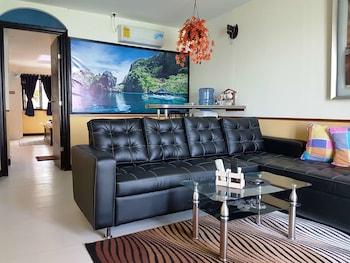 MANGO'S BEACHFRONT RESORT Living Room