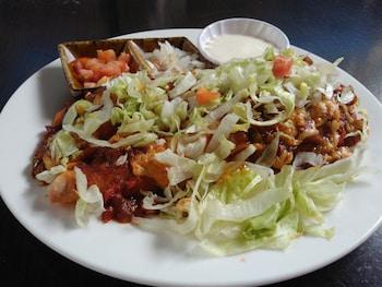 MANGO'S BEACHFRONT RESORT Food and Drink