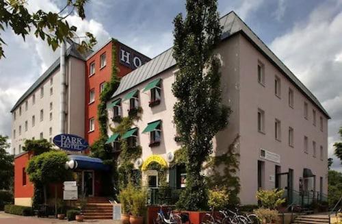. Parkhotel Neubrandenburg