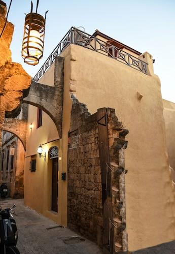 Cosy Keep, South Aegean