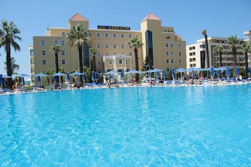 . Adriatik Hotel & Resort