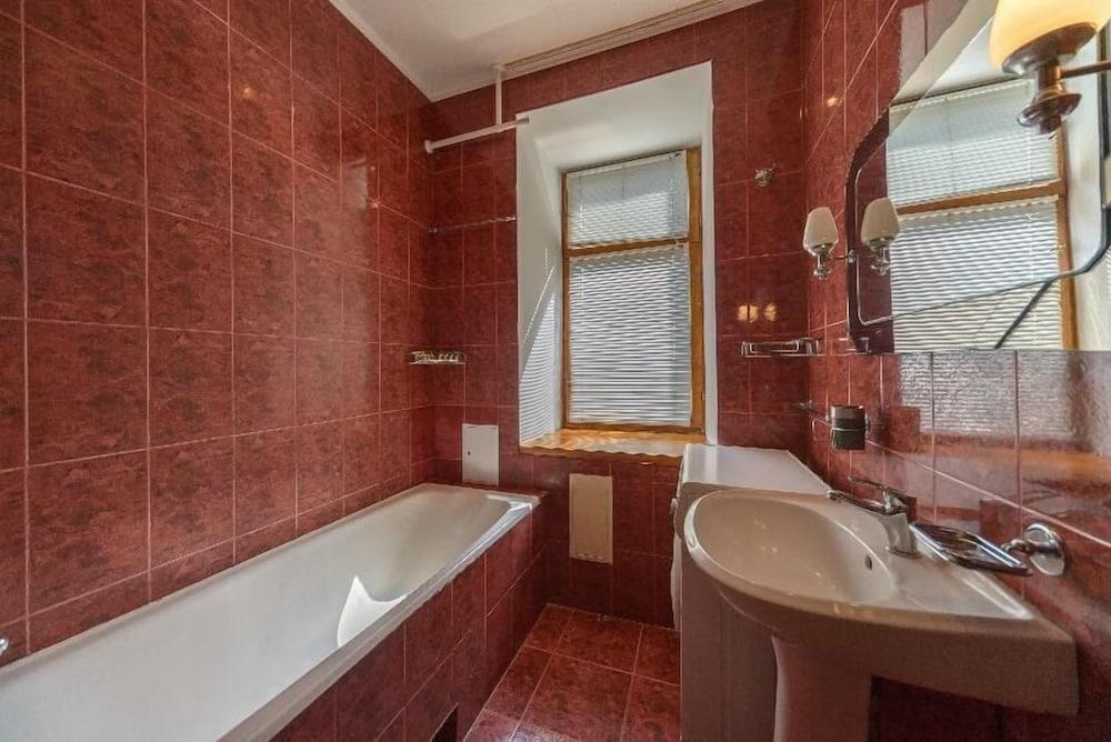 Апартаменты Kiev Accommodation на ул. Костельная