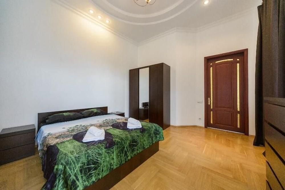 Апартаменты Kiev Accommodation на ул. Станиславского