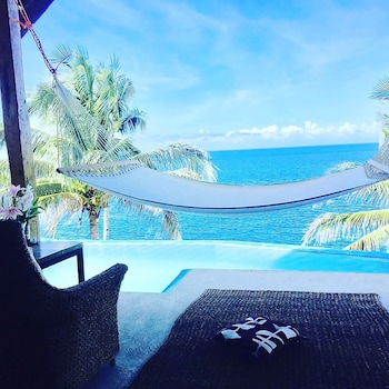 BINTANA SA PARAISO Infinity Pool