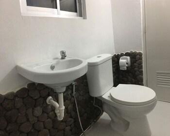 BINTANA SA PARAISO Bathroom