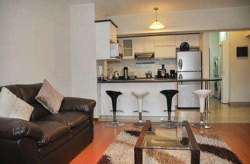 . Lux Miraflores Apartments Tripoli