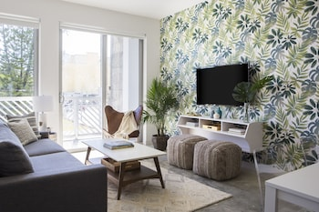 Playful Little Havana Suites by Sonder