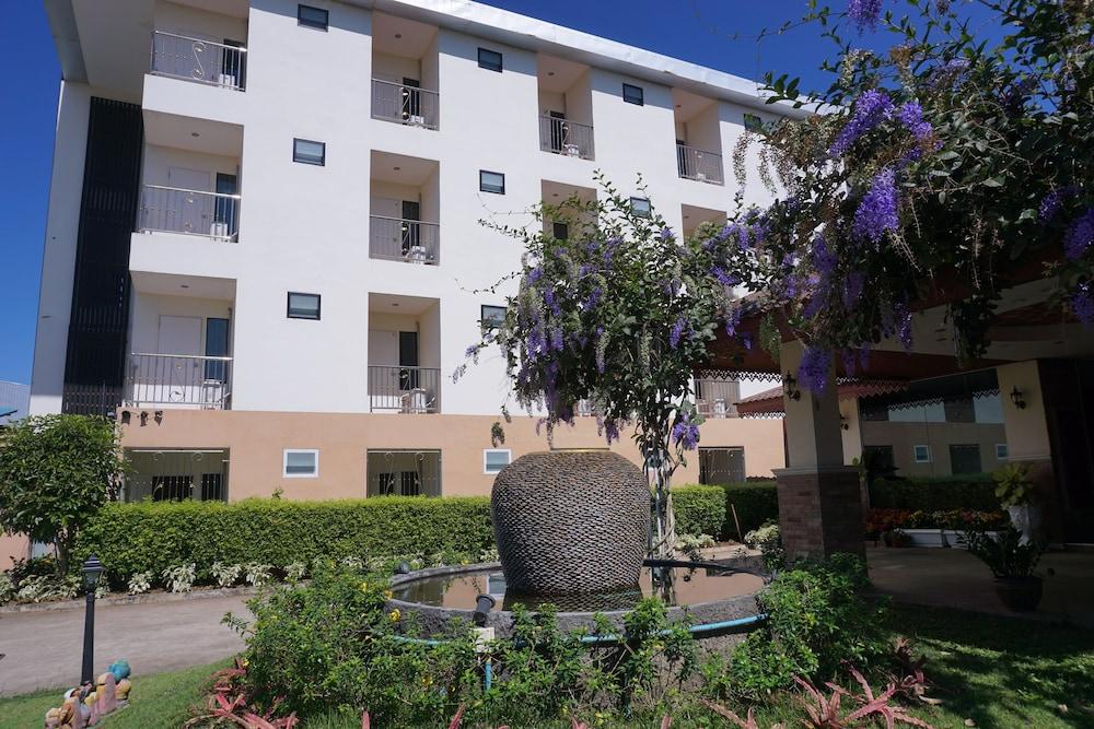キリマタニ ホテル