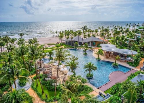 . InterContinental Phu Quoc Long Beach Resort
