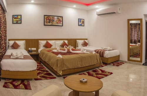 __{offers.Best_flights}__ Hotel Suktara International