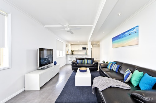 Dolphins Apartment, Port Stephens