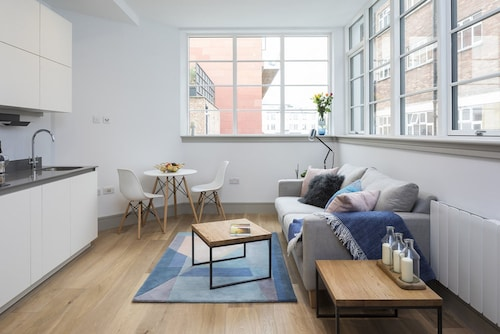 Amelia Comfort Studio Apartments, London