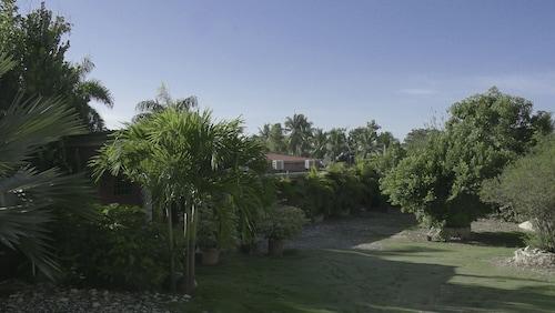 Le Jardin Hotel Restaurant, Jacmel