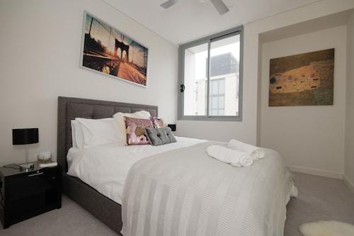 Furnished Apartment Near Bondi Junction, Waverley