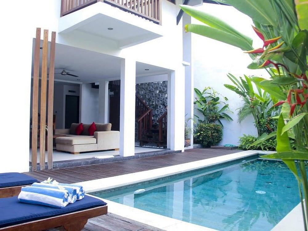 ZEN Rooms Kerobokan Tangkuban Perahu