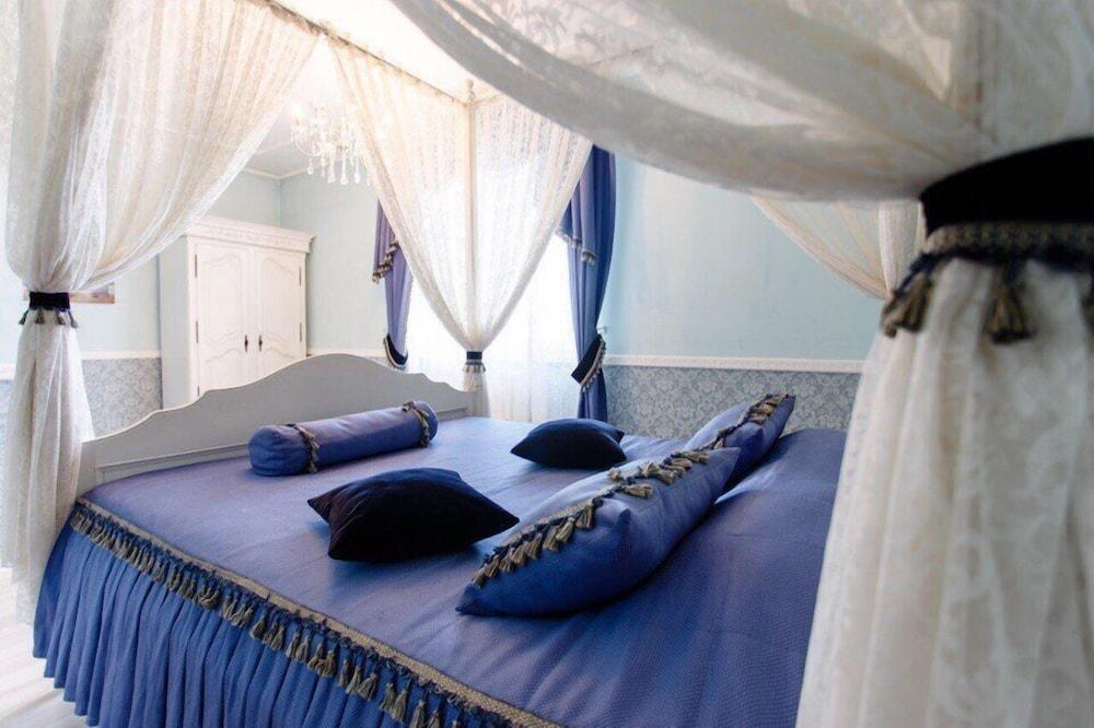 Отель «Королевский дилижанс»