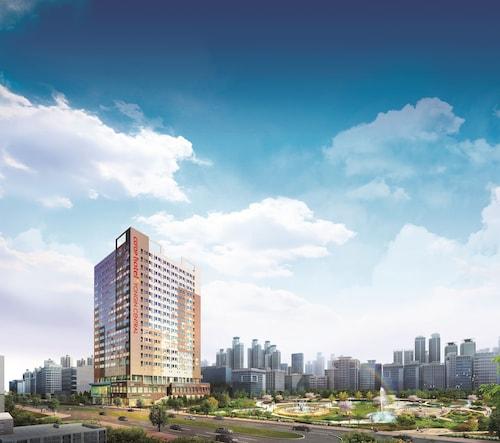 Yongin Central CO'OP Hotel, Yongin
