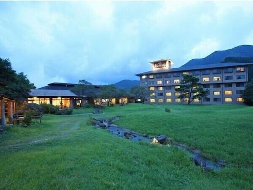. Arden Hotel Aso