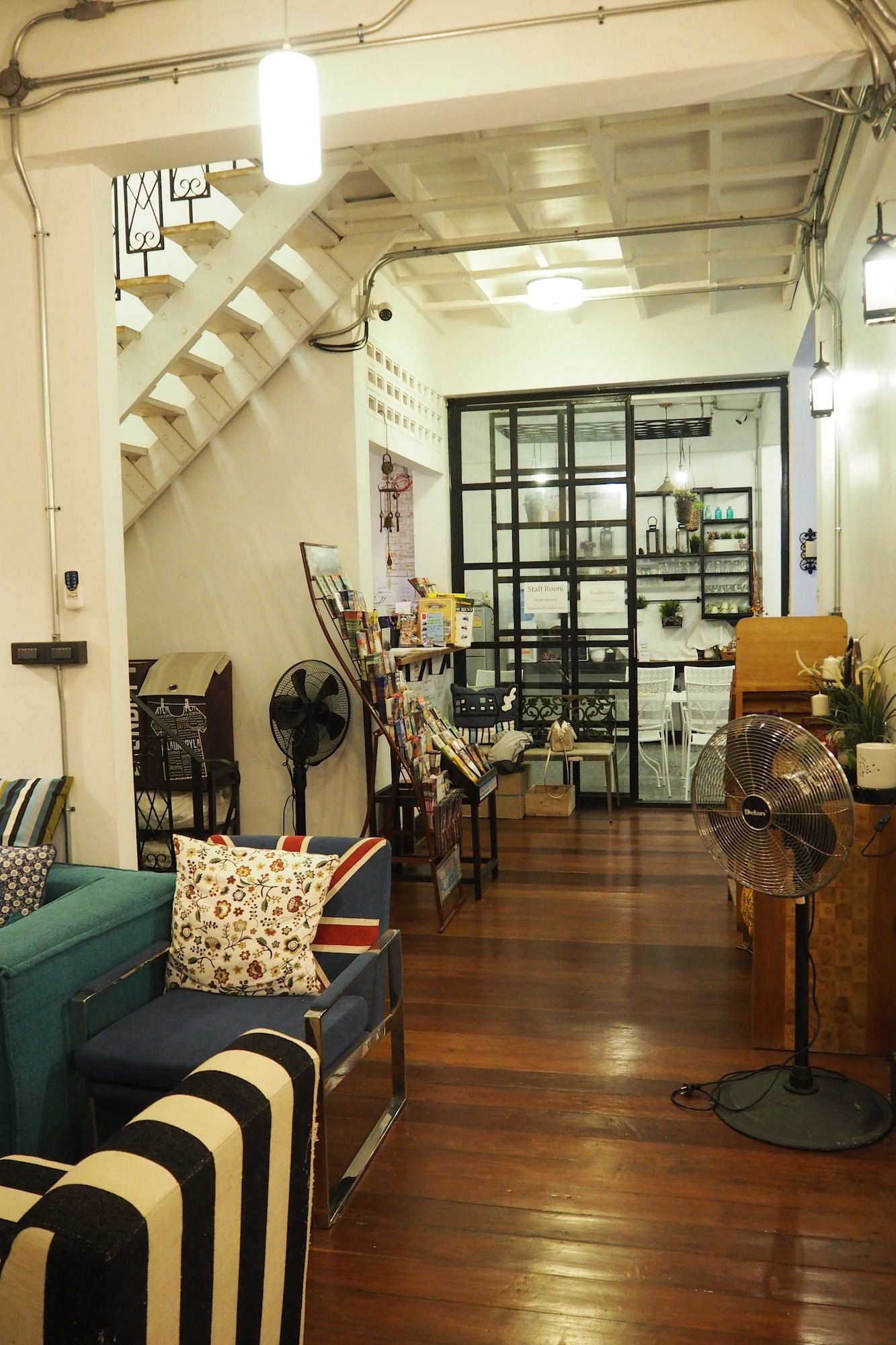 Sherloft Home and Hostel Private Room, Muang Chiang Mai