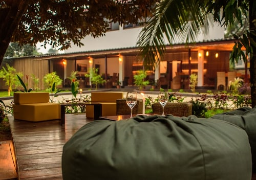The Mandolis Hotel, Dawei