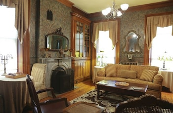 Hotel - Victorian Mansion