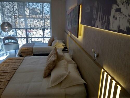 Perla Suite Hotel, Santa Marta (Dist. Esp.)
