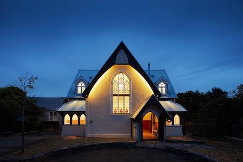 The Church - Luxury Accommodation, Selwyn