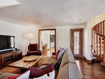 Gorgeous Slopeside 5Br/6Ba~Golden Peak Penthouse in Vail
