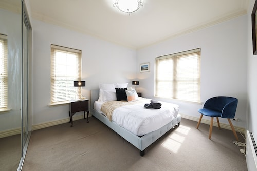 Agatha - Rejuvenate Stays, Stonnington - Prahran