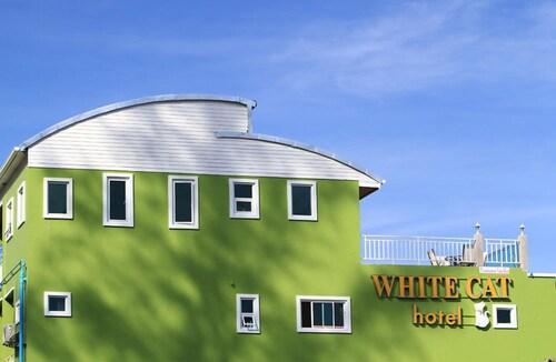 White Cat Hotel, Takua Pa