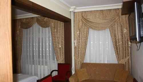 Sandikci Hotel, Merkez